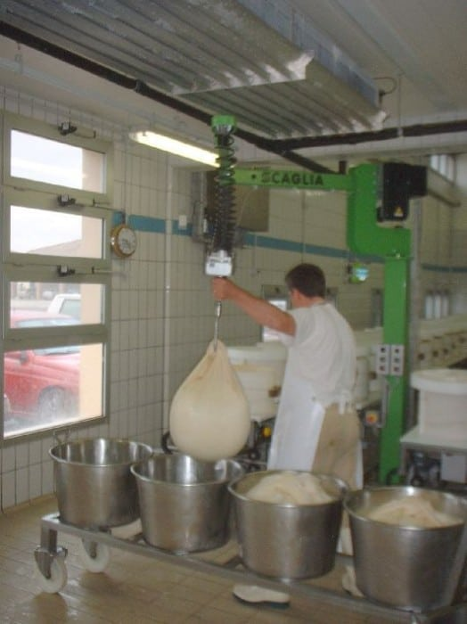 Manipulateurs industriels fromages