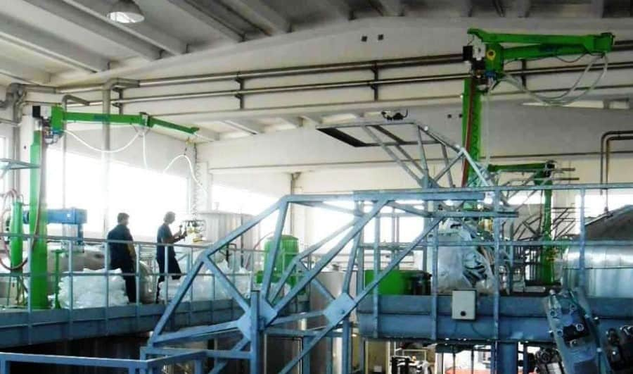 INDEVA® manipulators column mounted for handling bags