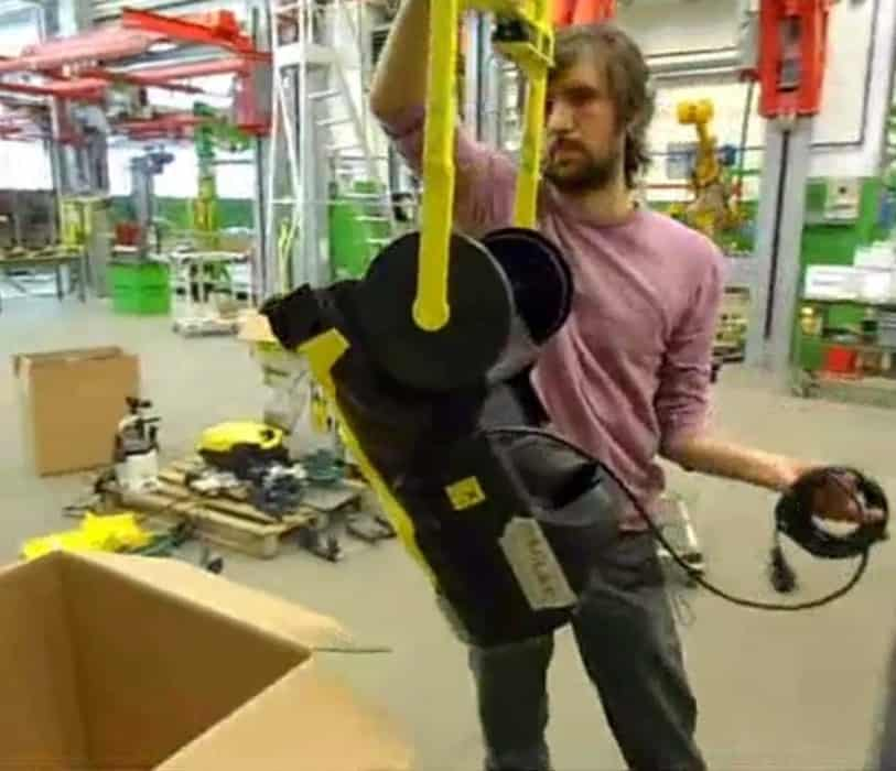 How to pack a hydro cleaner