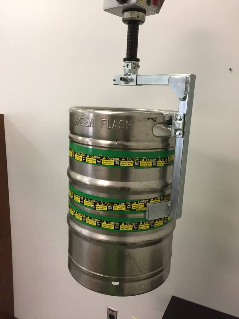 lift assist device for kegs 2