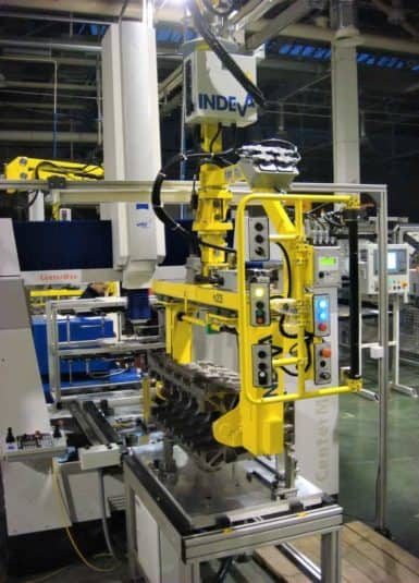 Scaglia INDEVA with its industrial manipulators, increases ergonomics and productivity within the machining cycles, in particular thanks to the characteristics of self-balancing and sensitivity, which allow the handling of endothermic motors in total safety.