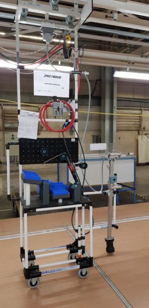 Lean Manufacturing Automotive Industry - Work station trolley