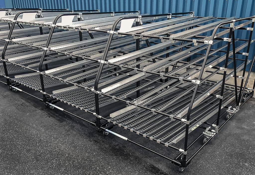 Using modular flow racks increases your production workflow efficiency, improves picking efficiency, provides ergonomic pick-face replenishment